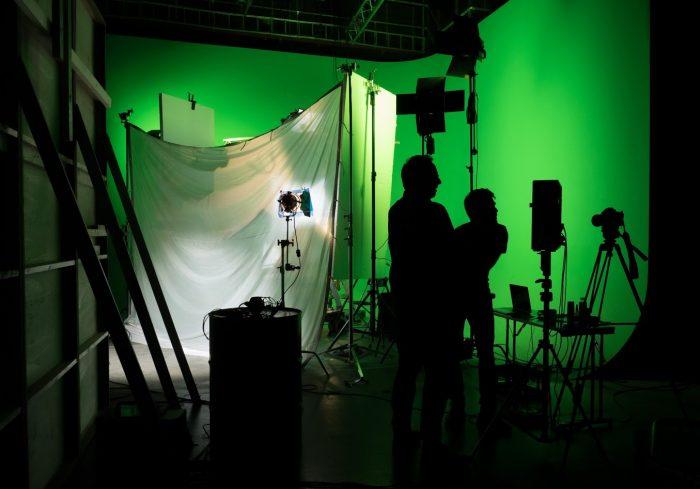 Studenter i studioproduksjon